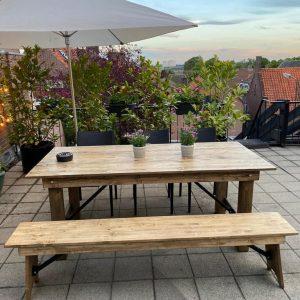 wooden+table+huren